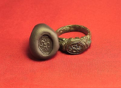 Big Medieval Bronze Knight's Seal Ring - 14. Century - Lily Sign! III.