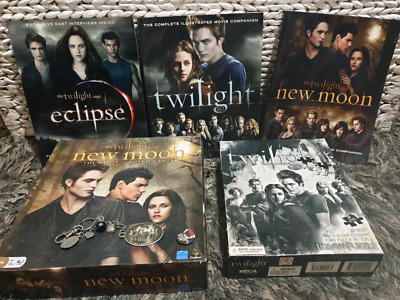 Twilight Collectors Items (34 Items)