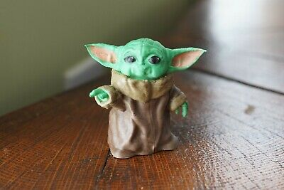 3DM - The Mandalorian Baby Yoda Pointing 3d Printed Painted