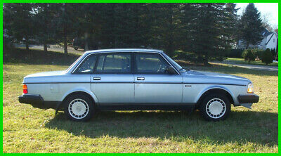 1989 Volvo 240 DL Sedan Low Miles Always Garaged. Never Any Rust Just Fully Serviced! Pristine! 40 Pics