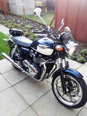 Triumph bonneville SE 2012 immaculate condition very low millage