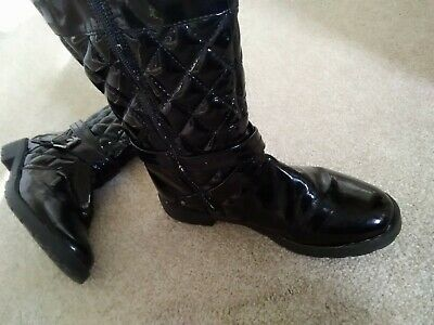 Girls M And S Patent Boots Size 3