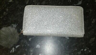 Glitter Silver Purse With Pompom On Zip