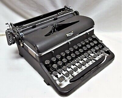 Vintage Royal Quiet Deluxe Portable Manual Typewriter w/ Case - 1948 - Works  CT