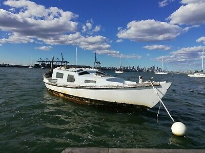 Day dream 28  yacht and  trailer  with mooring