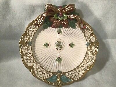 Fitz & Floyd Christmas Plate Wall Decor Bow Pinecones Holiday Vintage