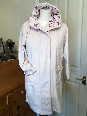 Girls TED BAKER dressing gown. Age 8/9 years . Pink .Great condition But No Belt
