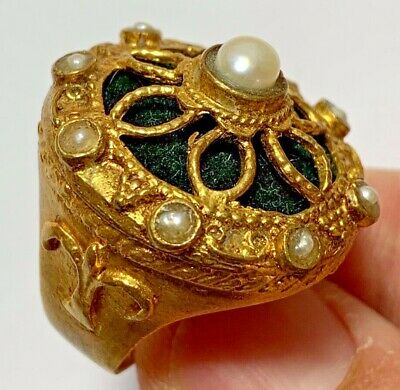 Fantastic - Vintage Ring - 8 Small Pearls & 1 White Pearl - Very Beautiful
