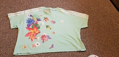 Girls green cropped floral adidas tshirt, age 13-14, used but good condition