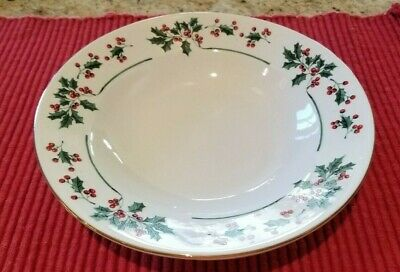4 Gibson Christmas Charm Holly Berry 8 inch Coupe Soup Cereal Bowls