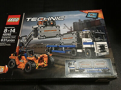 LEGO Technic Container Yard 631 pieces! NISB