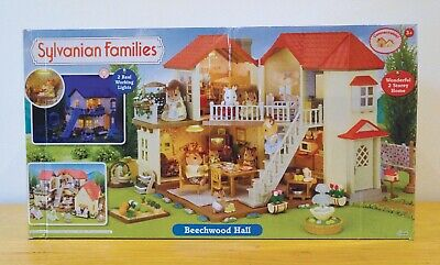 SYLVANIAN FAMILIES BEECHWOOD HALL + EXTRA figure & furniture sets