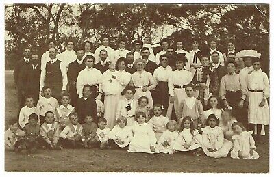 OLD REAL PHOTO POSTCARD of LARGE FAMILY OR GROUP PORTRAIT Australia early 1900s