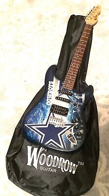 GMMLB19-771831065192 Woodrow New York Yankees 10 Collectible Mini Guitar