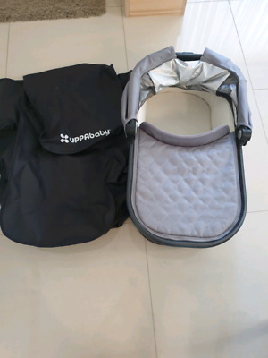 Uppababy Vista  bassinet 2015 model