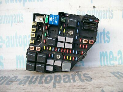 04-06 Cadillac Srx Oem Engine Bay Fuse & Relay Box Junction Assembly 15870409