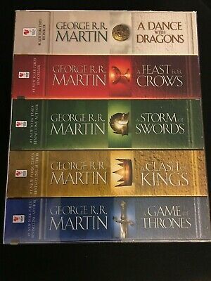 A Game of Thrones 5-Book Boxed Set Song of Ice and Fire - George R. R. Martin