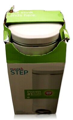 Munchkin | Step Diaper Trash Pail Powered by Arm & Hammer | Self Sealing System