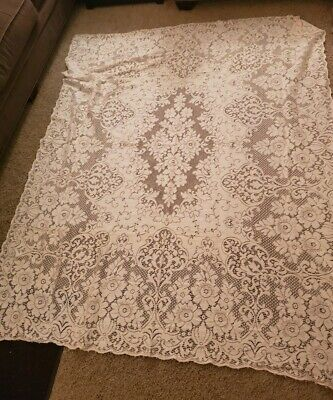 Vintage Quaker Lace White Table Cloth  about 60 in x 76 in VS