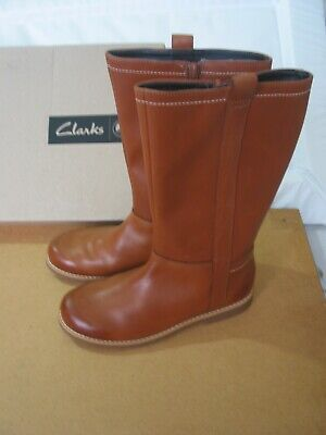 New Clarks Girls Tiddy Grace Tan Leather Long Boots Size 1.5 G & 11.5 F & 11F