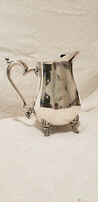 Vintage ONEIDA silver plated water pitcher with ice lip