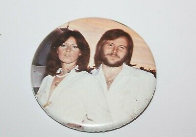 Abba Frida & Benny Badge Music Collectable (Lot 18)