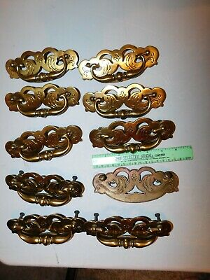 Lot 10 LARGE VINTAGE ORNATE BRASS TONE METAL DRAWER CABINET PULLS-HINGES