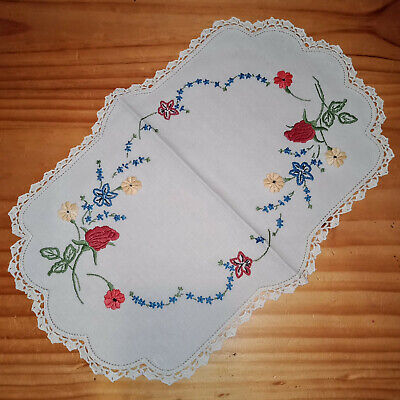 Gorgeous Vintage Hand Embroidered Pretty Florals Flowers Centrepiece Doily