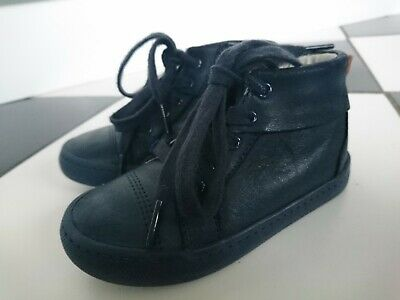 Clarks boy leather navy boots size UK 8 F infant VGC