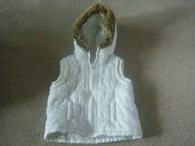 Girl's Ivory Hooded Gilet/Body Warmer Age 5-6 Years from Lime