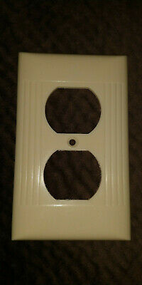 Vintage Ivory Ribbed Outlet Wall Plate - D-8 - Sierra Electric Corp