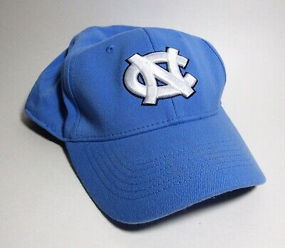 Vintage UNC Tarheels Authentic Top Of The World Adjustable S-M Wool Ball Cap Hat