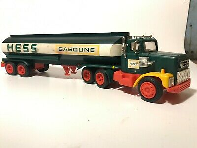 Vintage 1977 HESS TOY TRUCK W/ Original Box and Liners Gasoline Fuel Oils