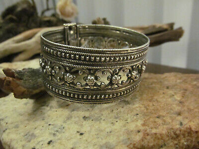Art Deco 925 Sterling Silver Textured Filigree Cut Out Cuff Bangle bracelet 50.6
