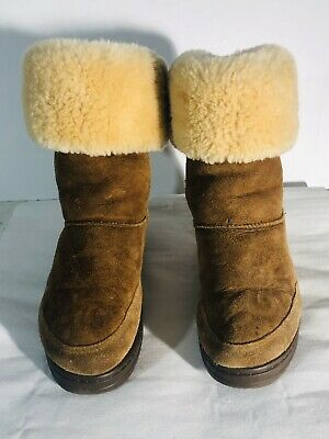 Ugg Girls Suede Brown Classic Tall Winter Boots. Size 6W.