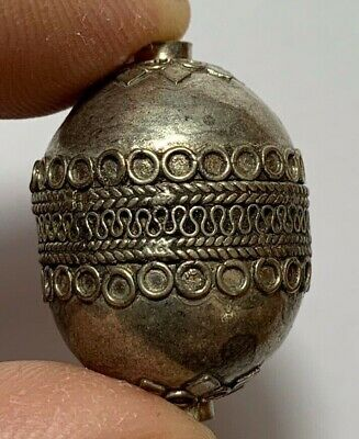 CIRCA 100-400 AD ANCIENT ROMAN SILVER BEAD VERY NICE AND INTERESTED 5.3gr 31mm