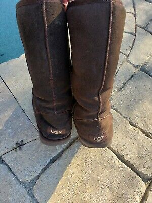 UGG Australia Chocolate Brown Suede Classic Boot Size US 9 Pre-owned