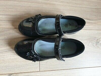 Clarks Girls Black Patent School Shoes 1.5 F