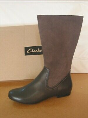New Ladies Or Girls Clarks Mountain Mist Leather & Suede Boots Size 3/36