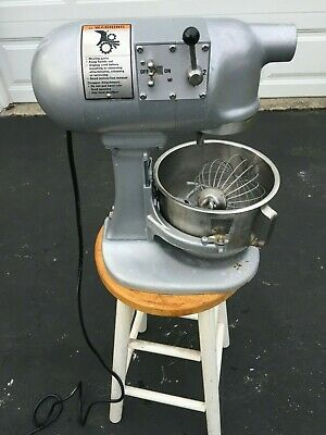 HOBART N-50 commercial 5 quart mixer with Bowl, paddle, whisk