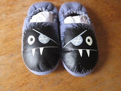 John Lewis Boys glow in the dark monster Slippers size 5 VGC, worn once.