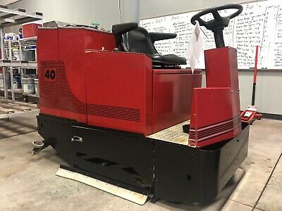 Factory Cat 40, Automatic Floor Scrubber Rider, Great Shape, Super Low 839 Hours
