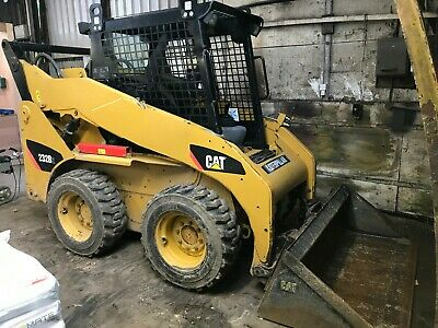 Caterpillar Skid Steer 232B Machine Excellent And Very Low Hours / Use