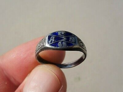 Late Middle Ages silver carved ring, nicely carved and blue enamel on bezel