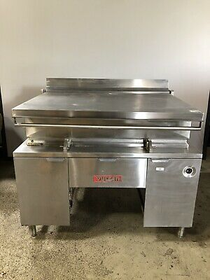 VULCAN COMMERCIAL 40 Gal. TILTING SKILLET, NATURAL GAS, G400 - USED