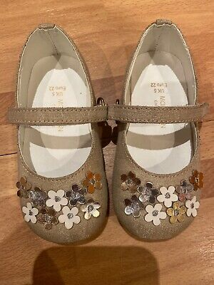 Monsoon Girls Toddler Party Gold Flowers Shoes Size 5 Only Worn Once Indoors.