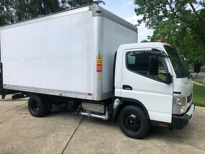 2012 Mitsubishi Fuso 15ft Diesel Box Truck with Lift Gate