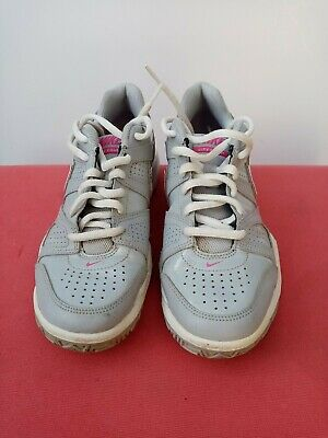 Girl's/Women's Nike City Court trainers.Size Uk4