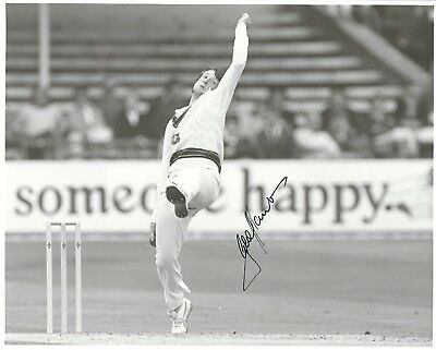 GEOFF LAWSON SIGNED 8x10 PHOTO - UACC & AFTAL RD AUSTRALIAN CRICKET AUTOGRAPH