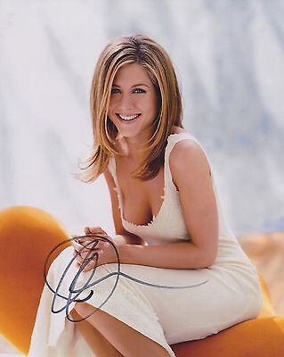 JENNIFER ANISTON SIGNED 8x10 PHOTO - UACC & AFTAL RD AUTOGRAPH